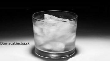Prečo by ste nikdy nemali piť vodu a ani iné nápoje s ľadom
