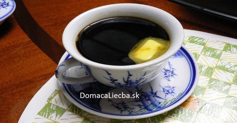 maslo a káva