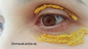 Okolo očí si natrela pastu z kurkumy a o 5 dní sa stalo niečo neuveriteľné