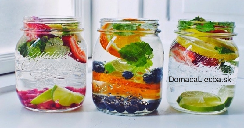 6 korenín a potravín, ktoré zmenia obyčajnú vodu na elixír zdravia