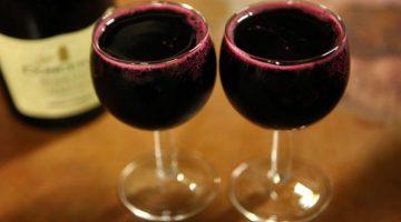 Štúdia zistila, prečo je víno dôležitejšie než cvičenie, ak sa chcete dožiť 90-ky